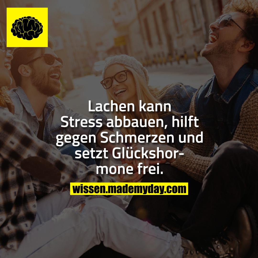 Lachen kann Stress abbauen, hilft gegen Schmerzen und setzt Glückshormone frei.