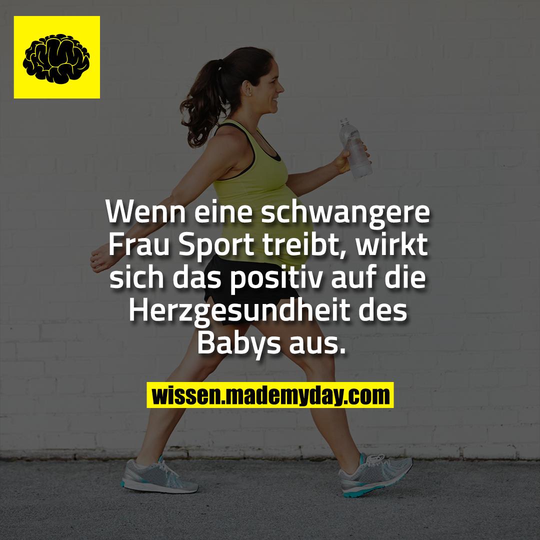 Wenn eine schwangere Frau Sport treibt, wirkt sich das positiv auf die Herzgesundheit des Babys aus.