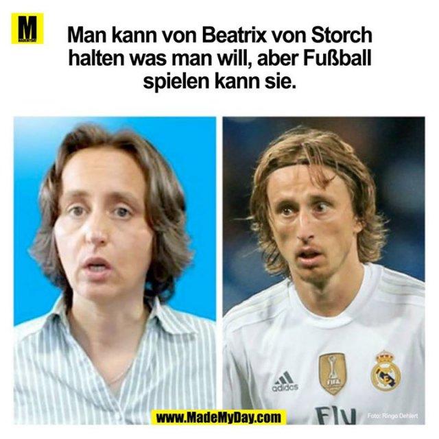 Man kann von Beatrix von Storch halten was man will, aber Fußball spielen kann sie.