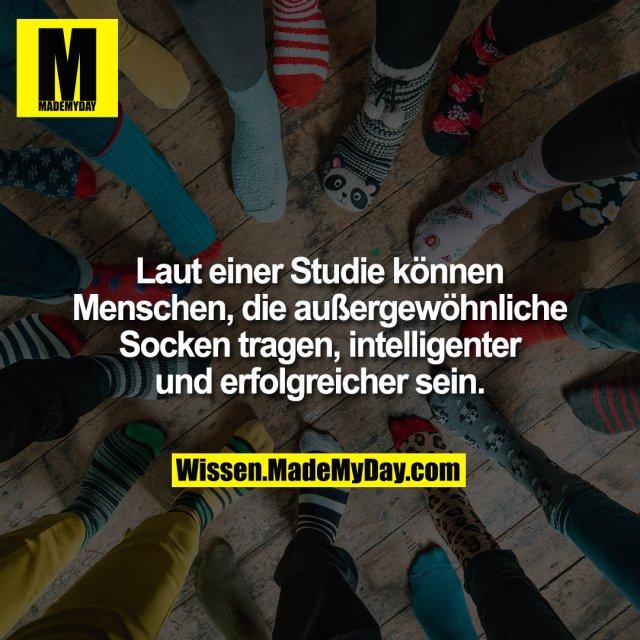 Laut einer Studie können Menschen, die außergewöhnliche Socken tragen, intelligenter und erfolgreicher sein.