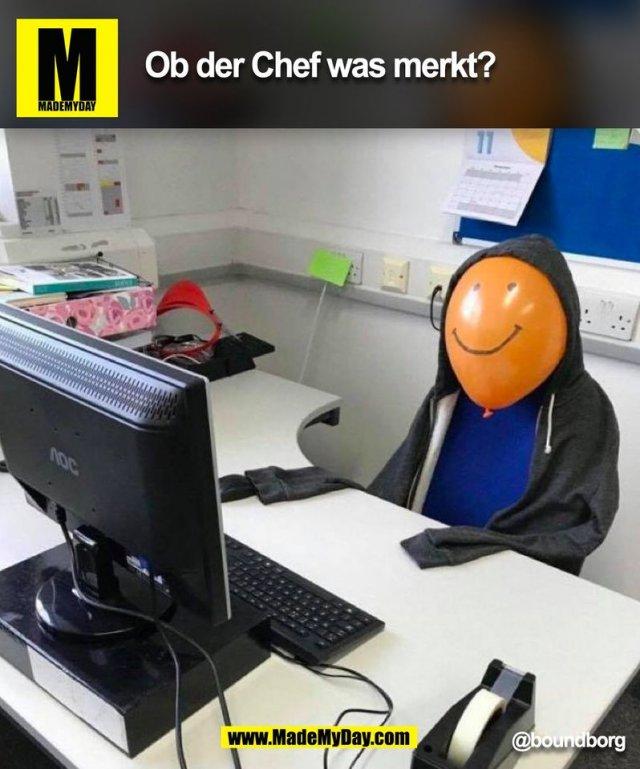 Ob der Chef was merkt? @boundborg (BILD)